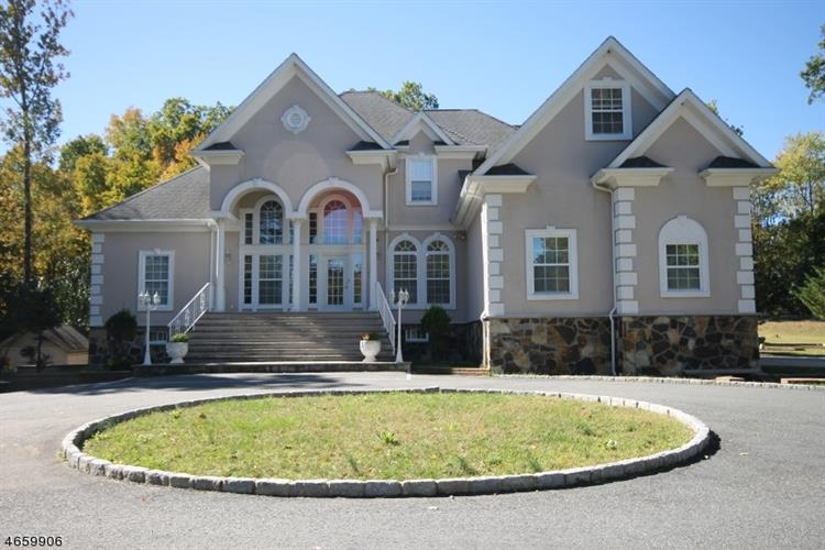 156 Cork Hill Rd, Franklin, NJ 07416