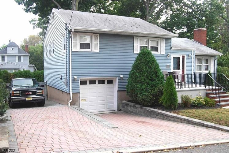 222 Stone St, Maywood, NJ 07607