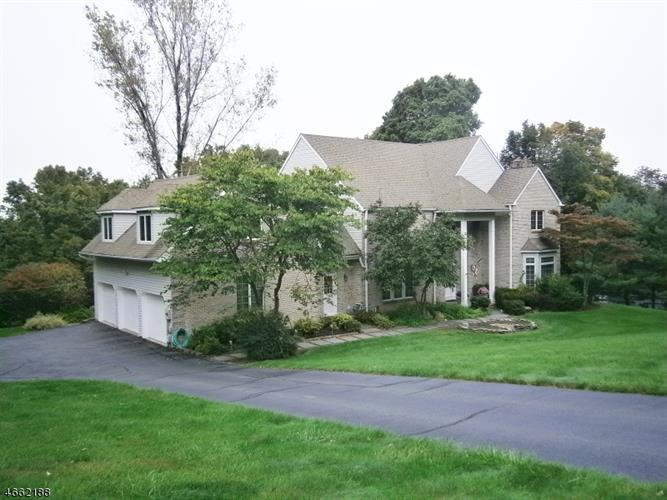 12 Newstar Ridge, Sparta, NJ 07871