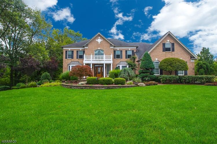 93 Tricentennial Dr, Freehold, NJ 07728