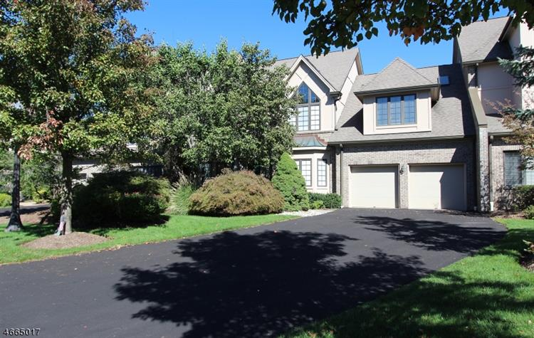 235 Cambridge Oaks, Park Ridge, NJ 07656