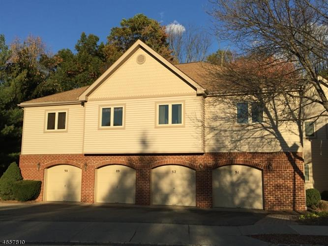91 Sunrise Dr, Hanover Twp, NJ 07981