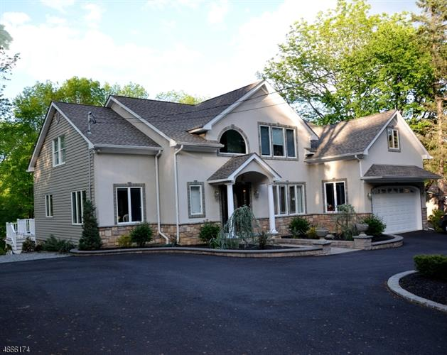 10 Mountainside Dr, Randolph, NJ 07869