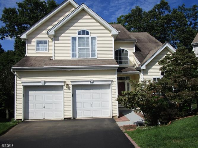 61 Winding Hill Dr, Mount Olive, NJ 07840