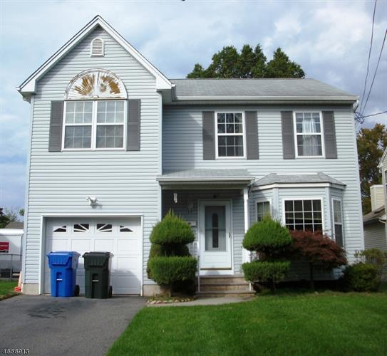28 Willow Ave, Iselin, NJ 08830