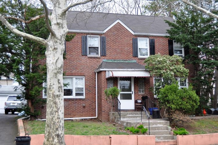 2-4 DONALD AVE, Passaic, NJ 07055