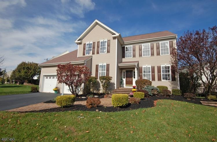 11 Eagles Pass, Franklin Twp, NJ 08540