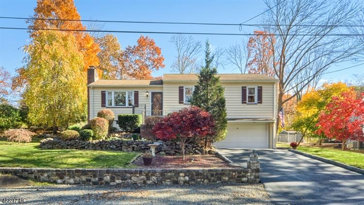32 Forest Ter, Wayne, NJ 07470