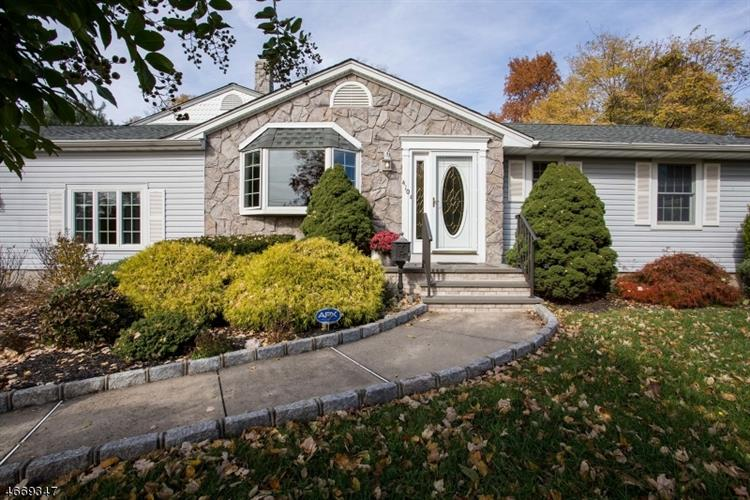 410 Avon Ave, South Plainfield, NJ 07080