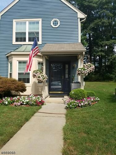 1506 MAHOGANY CT, South Brunswick, NJ 08852