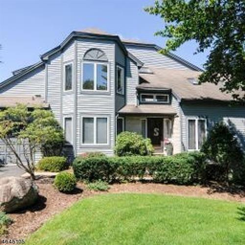 5 Fair Ridge Ct, Wayne, NJ 07470