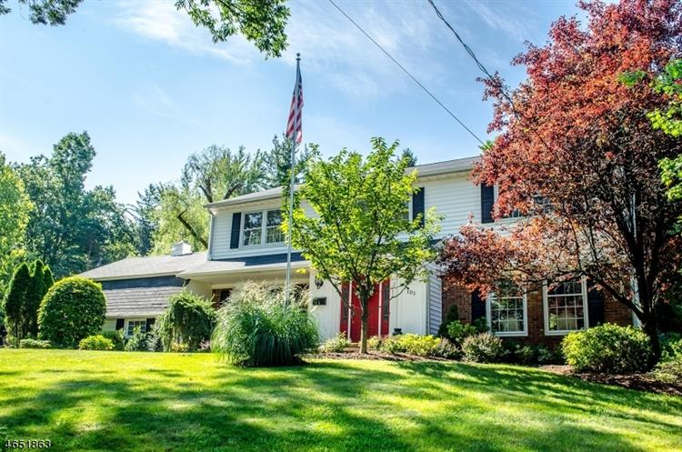 101 Glenside Rd, Berkeley Heights, NJ 07922
