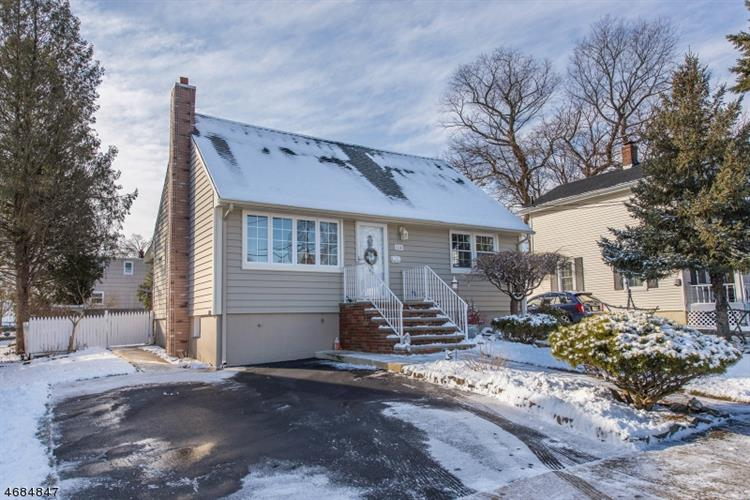 pompton lakes latin singles For sale: 4 bed, 4 bath ∙ 86 glen ct, pompton lakes, nj 07442 ∙ $649,000 ∙ mls# 1809366 ∙ lakefront with waterfront dock and spectacular views this multi level custom home is a wonderful place to.