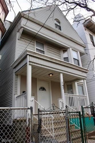 197 3rd St, Newark, NJ 07107