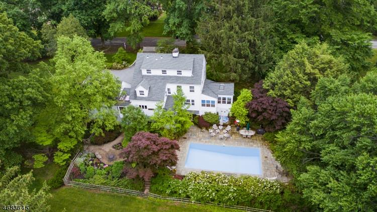 75 Overlook Rd, Morris Township, NJ 07960
