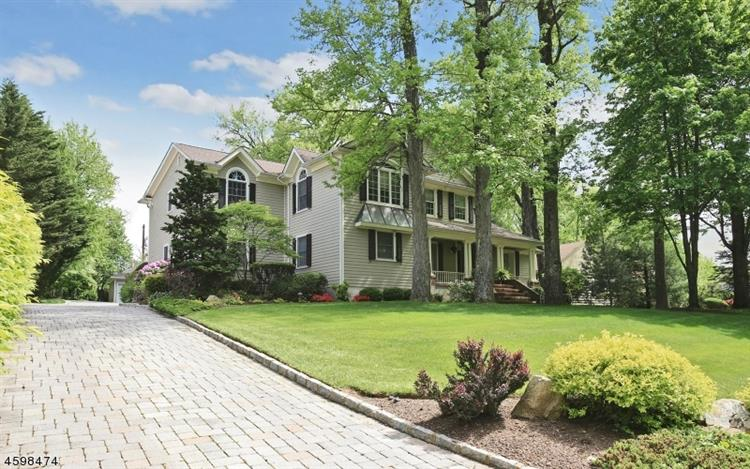 12 Breeze Knoll Dr, Westfield, NJ 07090