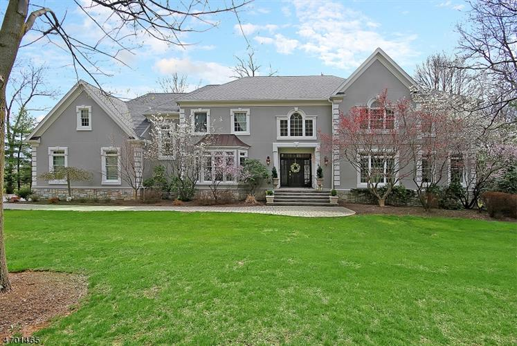 4 Cotswold Lane, Warren, NJ 07059