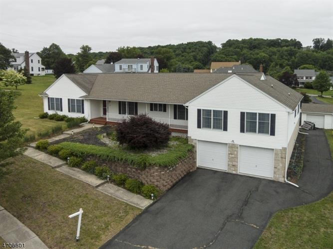 4 Valley View Court, Newton, NJ 07860