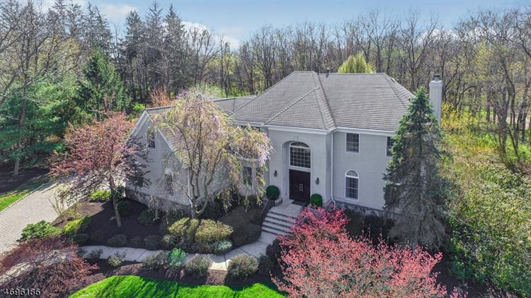 28 Brentwood Ct, Bernards Township, NJ 07920