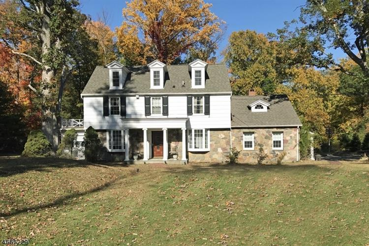 101 Lake St, Upper Saddle River, NJ 07458