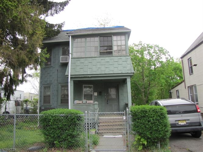 282 Lincoln St, East Orange, NJ 07017