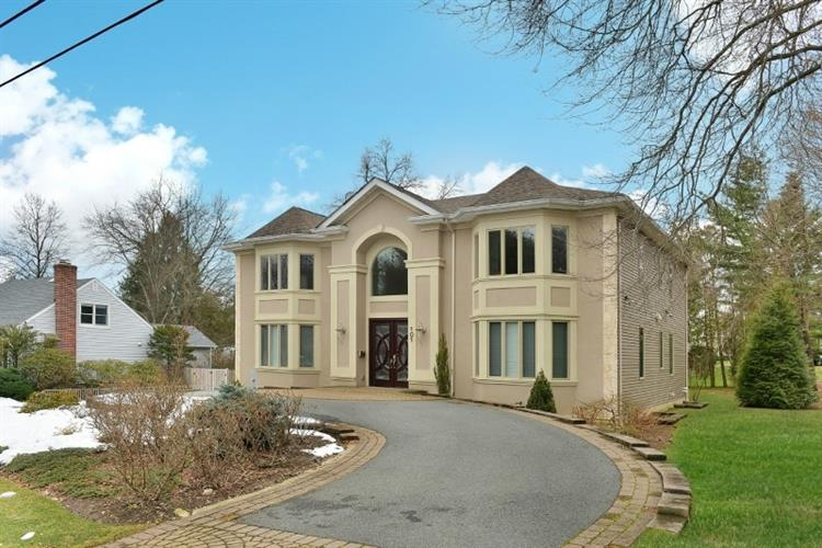 101 mary ann ln wyckoff nj 07481 mls 3383681 for Completely wheelchair accessible luxury house for sale