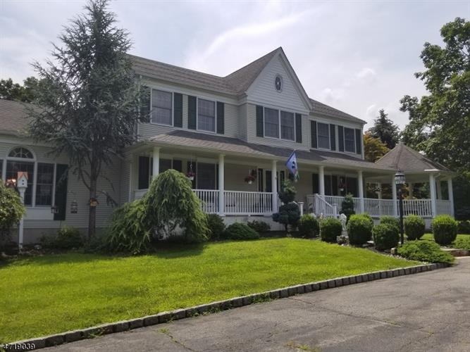 11 Brier Rd, Readington Twp, NJ 08889