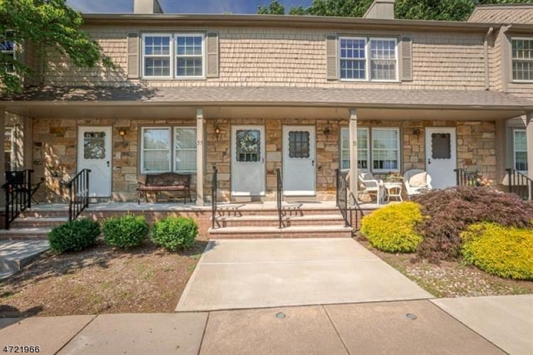 53 Adams Ct, Raritan Township, NJ 08822