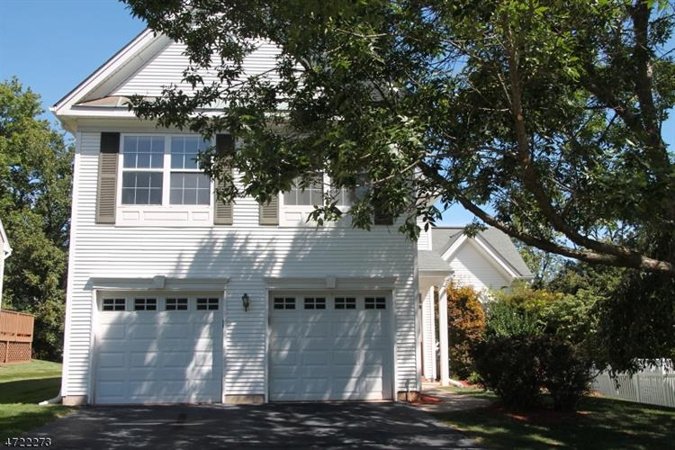 31 PLANTATION RD, Readington Twp, NJ 08889