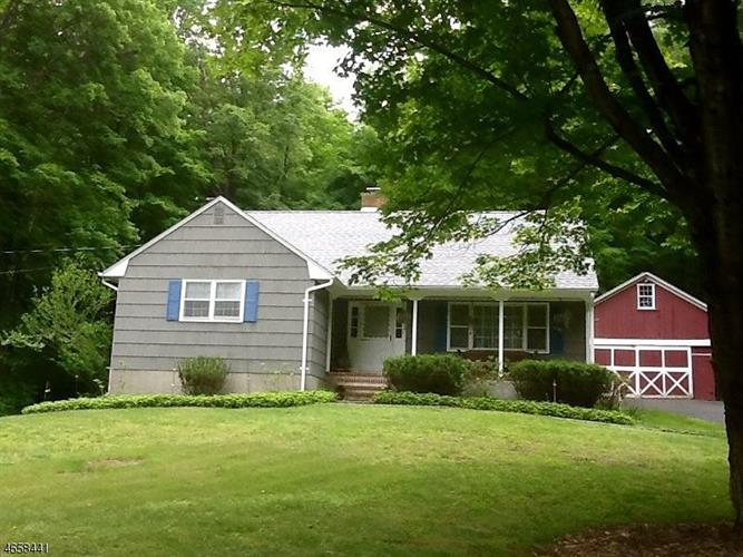 58 Water St, Tewksbury Twp, NJ 08833