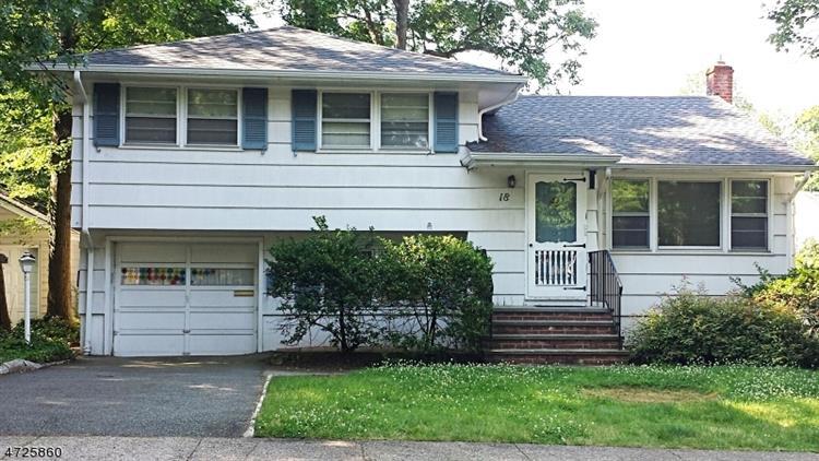 Homes For Sale Livingston Nj : 18 N Cedar Pkwy , Livingston NJ 07039, MLS # 3399034 ...