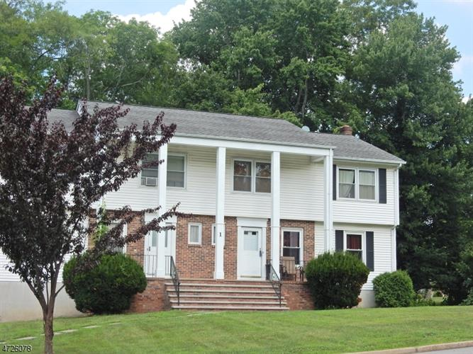 1 Colby Ct, Lincoln Park, NJ 07035