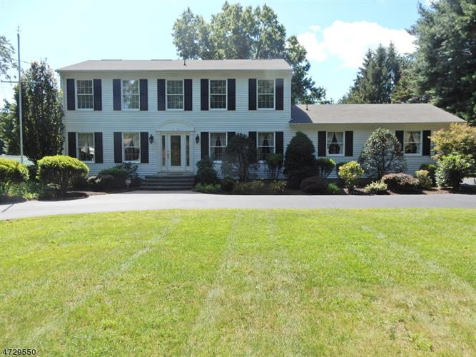 101 Mountain Ave, Pequannock Township, NJ 07444