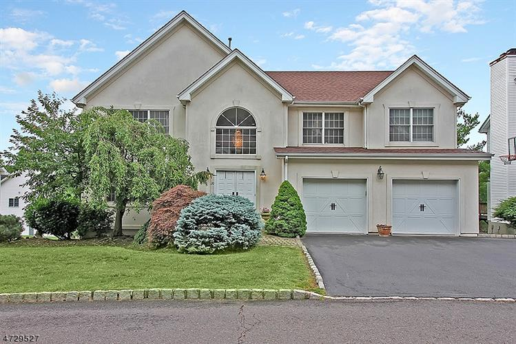 20 Sycamore Way, Warren, NJ 07059