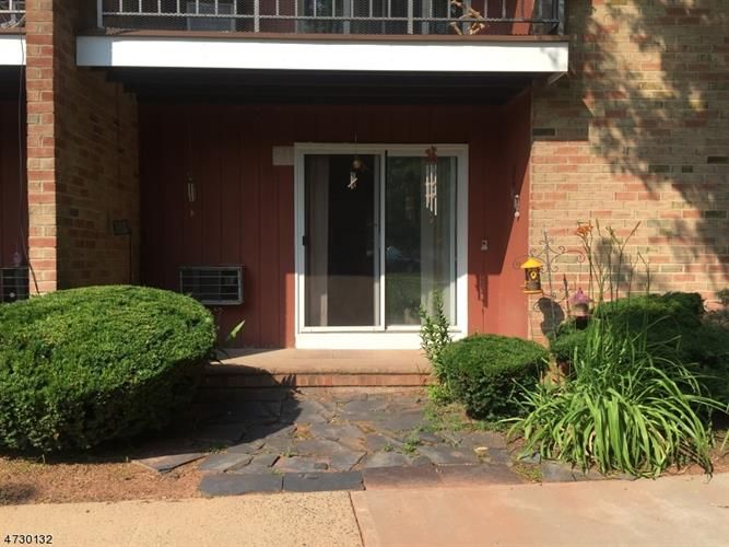 808 Eves Drive, 2I, Hillsborough, NJ 08844