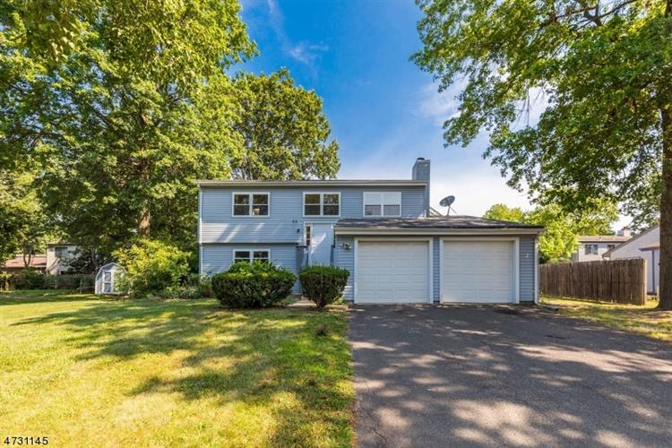 48 Birch Run Dr, Piscataway, NJ 08854