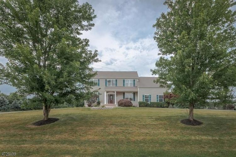 6 Veghte Pl, Franklin Twp, NJ 08823