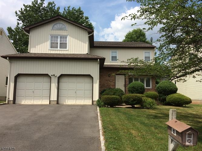 113 Apple Tree Ln, Union, NJ 07083