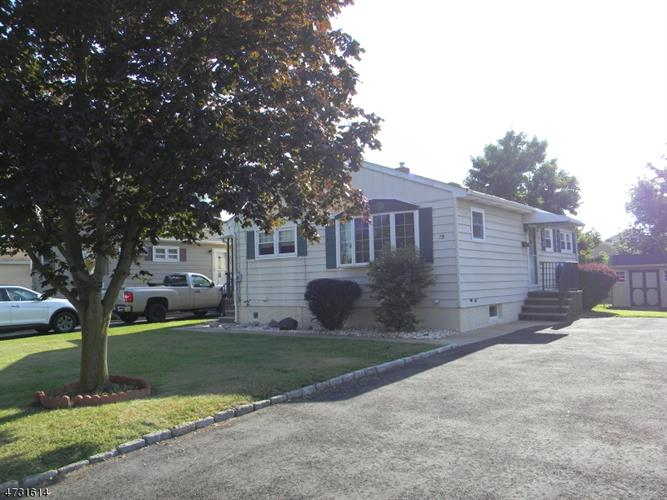 15 Ruth Pl, Manville, NJ 08835