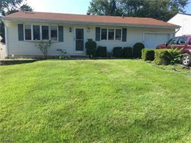 43 Buttonwood Dr, Sayreville, NJ 08859
