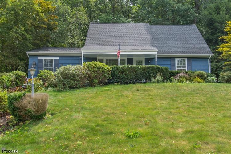 73 Morris Ave, West Milford, NJ 07480