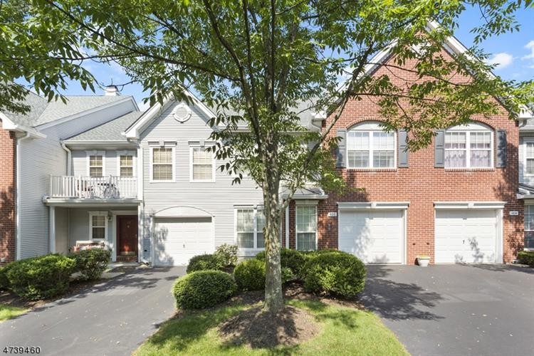 406 Springhouse Dr, Readington Twp, NJ 08889