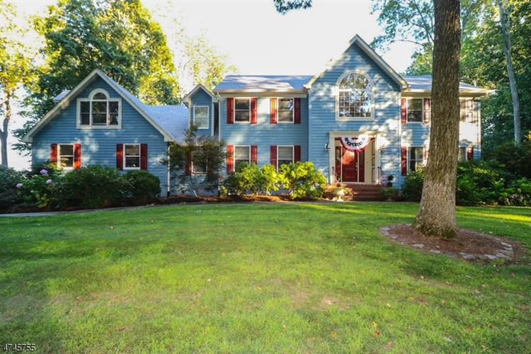 32 Harbourton Woodsville Rd, Hopewell Township, NJ 08525