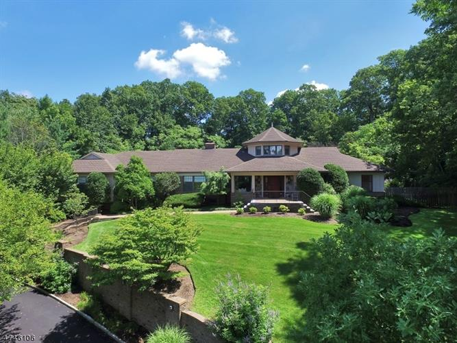 31 Avon Drive, Essex Fells, NJ 07021