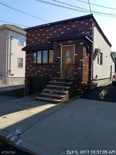 7206 Adams St, North Bergen, NJ 07047
