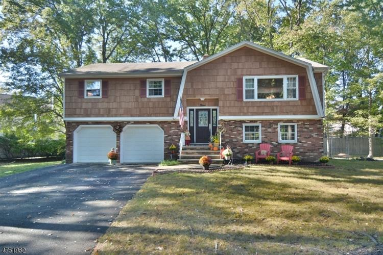 9 Arnold Ct, Pequannock Township, NJ 07444