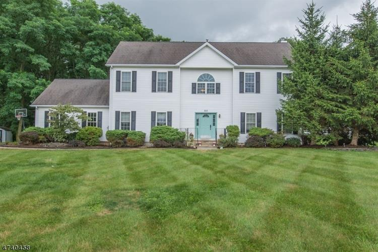 213 Flanders Netcong Rd, Mount Olive, NJ 07836