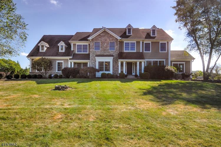 4 Whitenack Rd, Tewksbury Township, NJ 07830