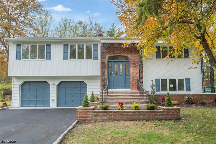 44 Evergreen Dr, Lincoln Park, NJ 07035