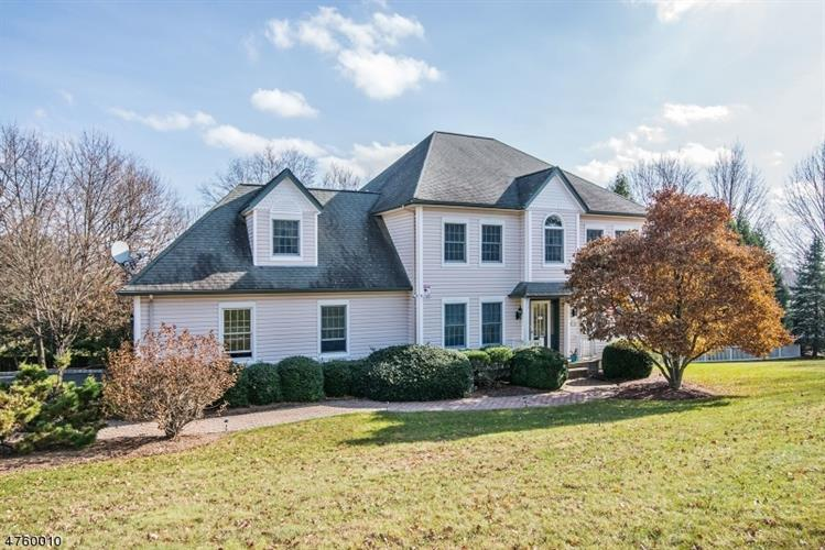10 Mountain View Dr, Wantage, NJ 07461